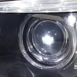 BMW5シリーズヘッドライトレンズの傷消し