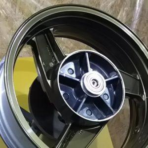 オートバイホイール塗り替えカワサキZZ-R1100